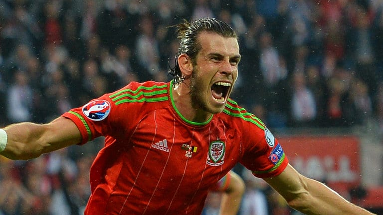 Gareth Bale and Wales take on Russia