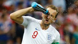 Harry Kane sprays water 1280.jpg